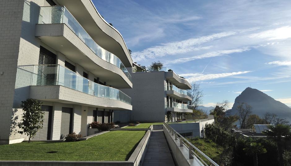 Le Terrazze Penthouse in Albonago   TCC Immobiliare