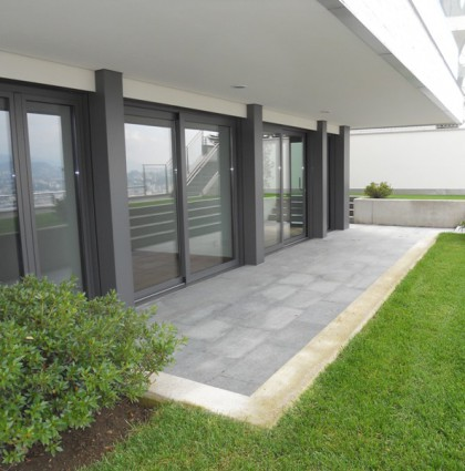 Three rooms with garden in Albonago