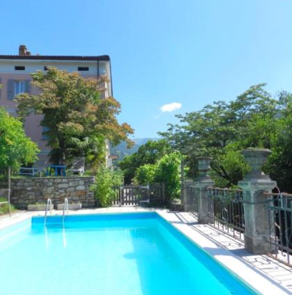 LUGAGGIA-CAPRIASCA Villa Bifamiliare con grande parco e piscina